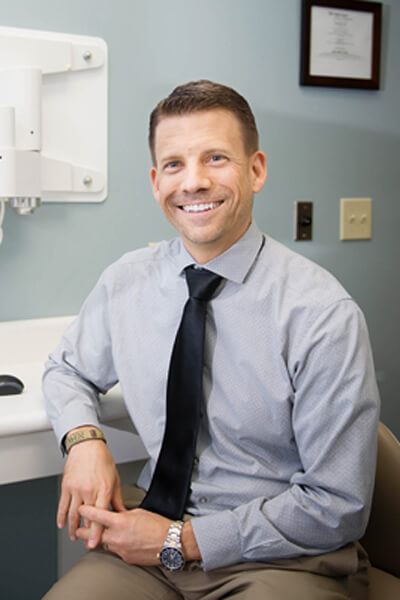 photo of Dr. Jeff Lineberry in an exam room